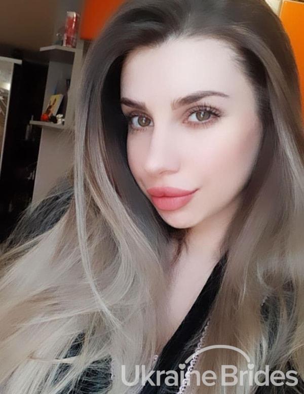 Profile photo for DiamondElvira