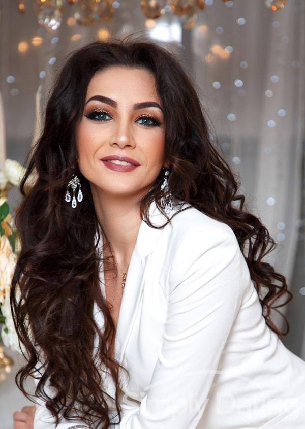 Profile photo for Julia_V