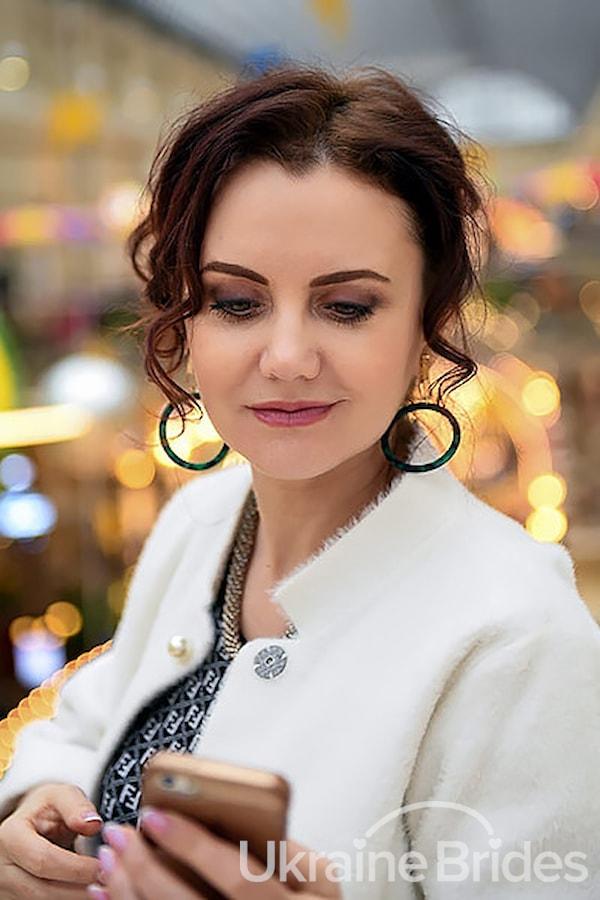 Profile photo for Elenee