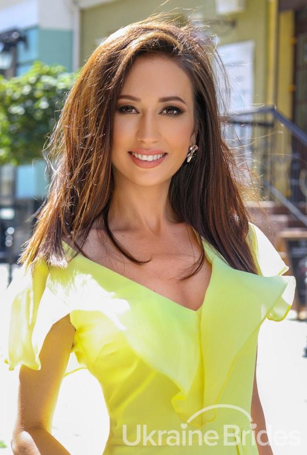 Profile photo for UnbelievableBrunette
