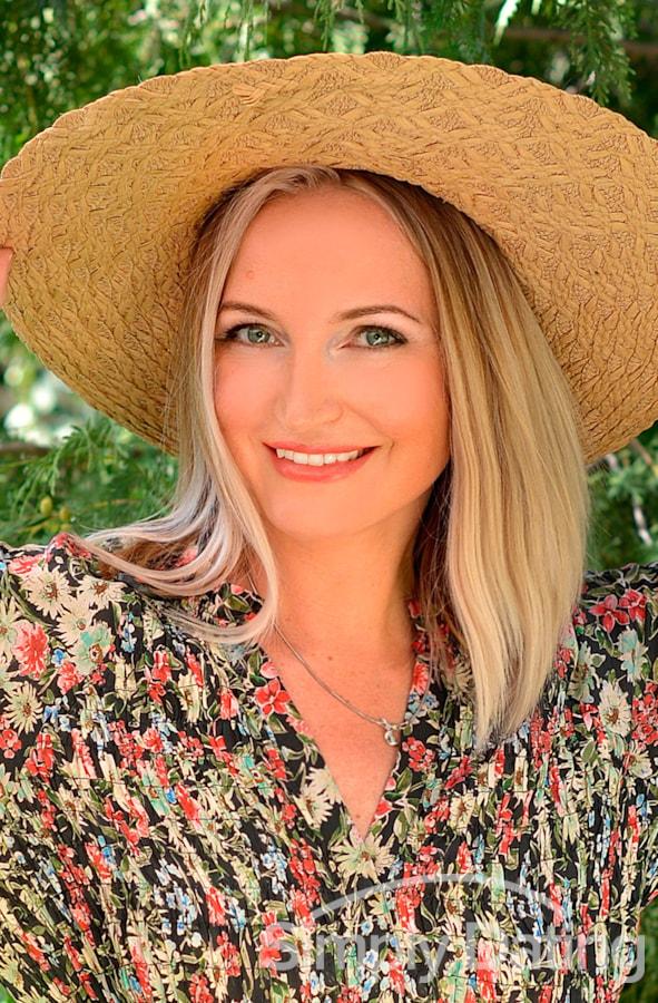 Profile photo for Julia TenderLady