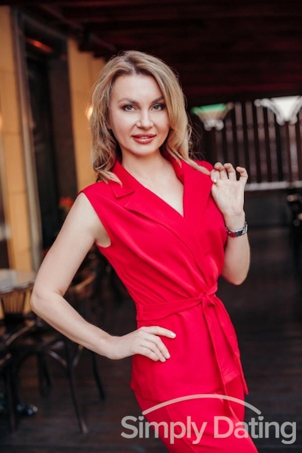 Profile photo for LadyJuliaBride