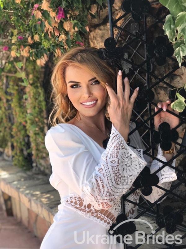 Profile photo for Yannita